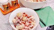 Фото рецепта Салат с маринованными шампиньонами и помидорами
