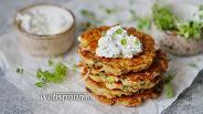 Фото рецепта Картофельные драники с сырным соусом