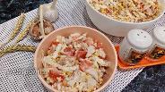 Фото рецепта Салат с пекинской капустой и окорочком с кукурузой