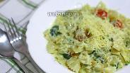 Фото рецепта Паста со шпинатом и черри