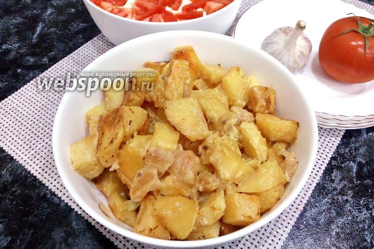 Фото Картофель с яблоком и специями в духовке