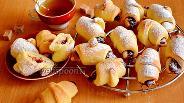 Фото рецепта Рогалики с повидлом на закваске Левито Мадре