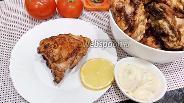 Фото рецепта Шашлык из куриных бёдер с лимоном, майонезом и луком