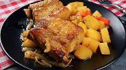 Фото рецепта Свиные рёбра с картошкой в рукаве. Видео-рецепт