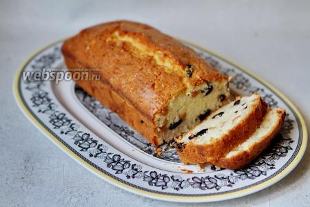 Фото рецепта Творожный кекс с изюмом на белках