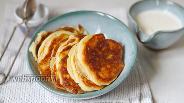 Фото рецепта Дрожжевые оладьи на сметане
