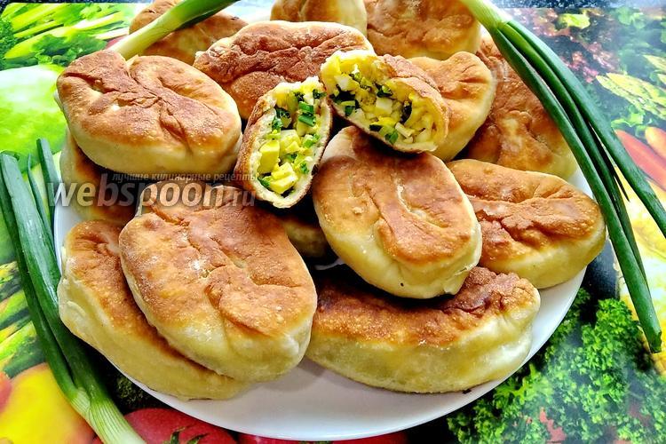 Фото Ленивые пирожки с луком и яйцом