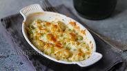 Фото рецепта Запечённая цветная капуста с зелёным горошком под сыром