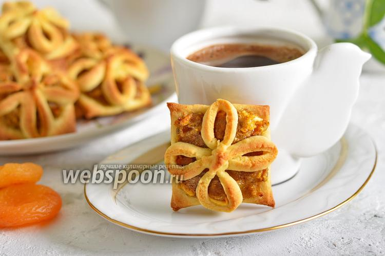 Фото Печенье с курагой и орехами