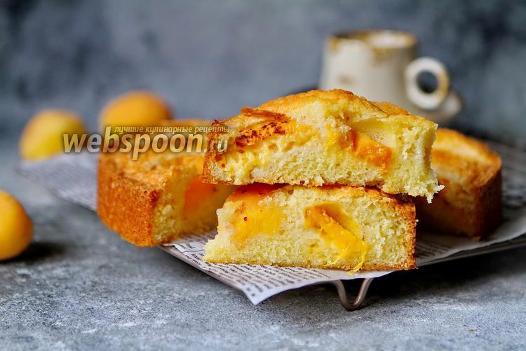 Фото Простой пирог с абрикосами
