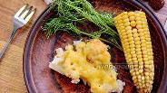 Фото рецепта Запечённая цветная капуста с кукурузой в молочном соусе