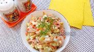Фото рецепта Салат с копчёным окорочком и солёными огурцами