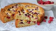 Фото рецепта Простой пирог с малиной