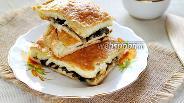 Фото рецепта Пирог из слоёного теста с жареными грибами