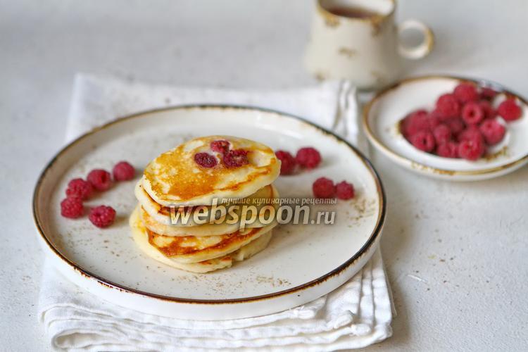 Фото Сырно-сливочные оладьи с малиной