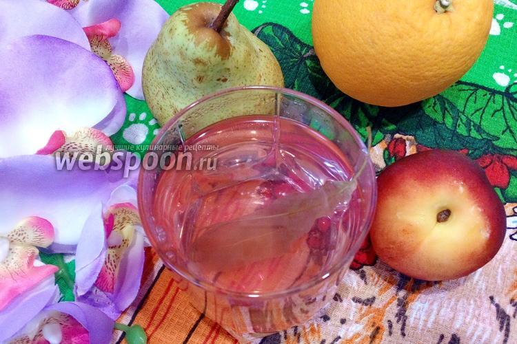 Фото Клубничный компот с липой