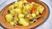 Фото рецепта Картошка с лесными грибами в мультиварке