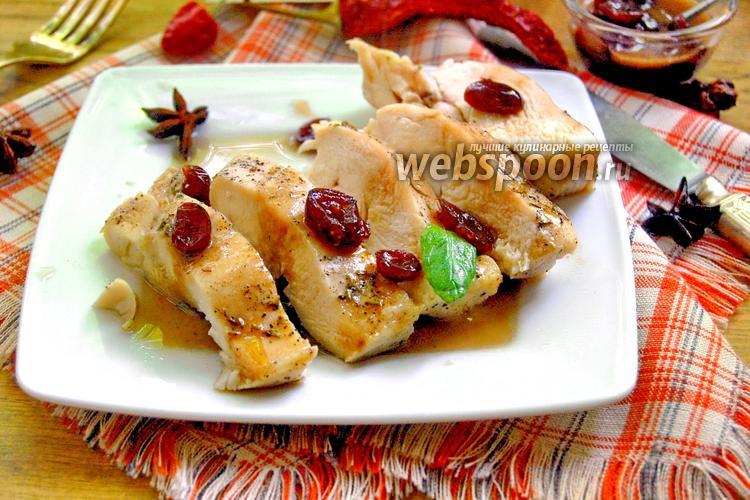 Фото Куриная грудка под клюквенным соусом