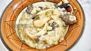 Фото рецепта Плов с грибами и кальмарами в мультиварке