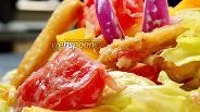 Фото рецепта Салат с хрустящими баклажанами. Видео