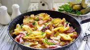 Фото рецепта Жареная картошка с беконом и луком
