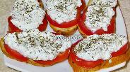 Фото рецепта Бутерброды с творогом и помидорами (по-деревенски)