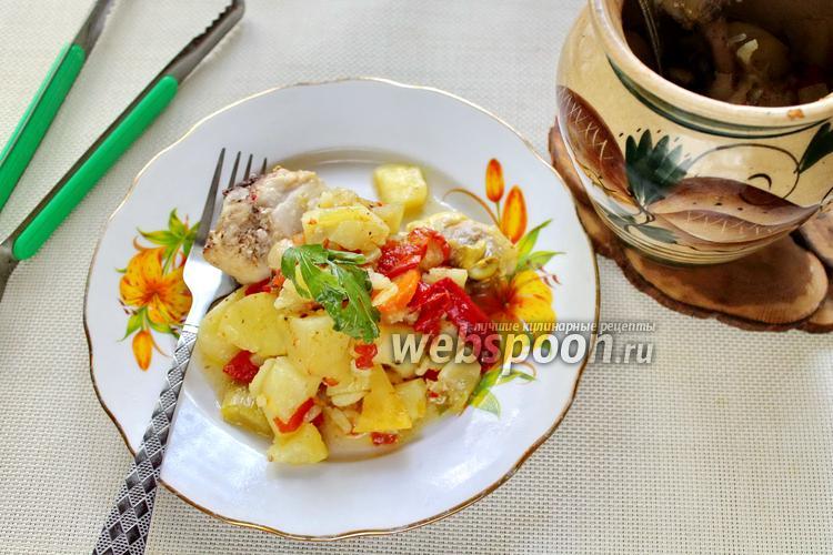 Фото Цыплёнок в горшочке с картофелем и овощами
