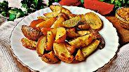 Фото рецепта Молодой картофель с чесноком и травами