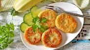 Фото рецепта Оладьи из фасоли и кабачков