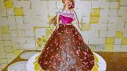 Фото рецепта Бисквитно-фруктовый торт «Кукла»
