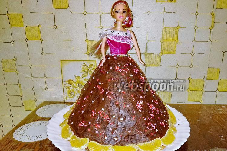 Фото Бисквитно-фруктовый торт «Кукла»