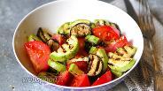 Фото рецепта Салат из кабачков, баклажанов и помидоров