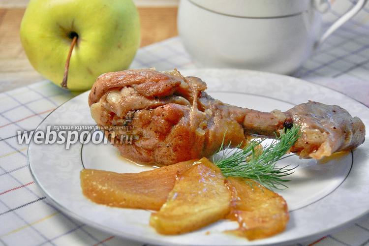 Фото Жареные куриные ножки с медовыми яблоками