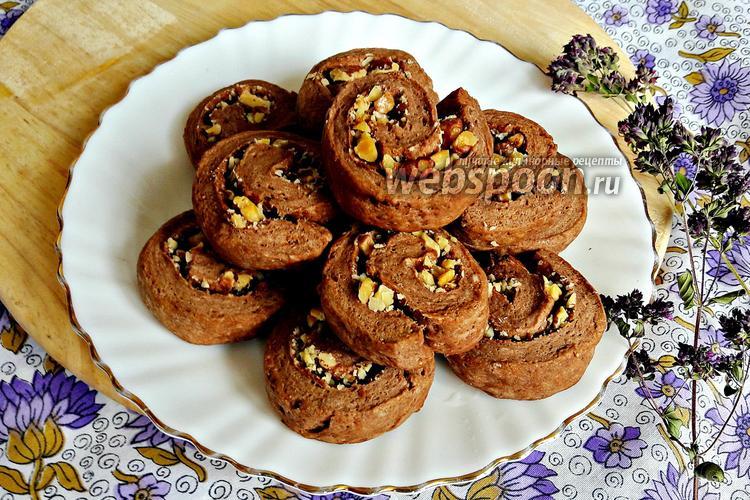 Фото Шоколадно-творожное печенье с грецкими орехами