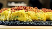 Фото рецепта Картофельные ватрушки с фаршем. Видео