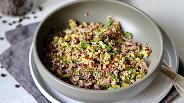 Фото рецепта Салат с киноа и говядиной