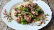 Фото рецепта Куриная печень тушёная с зелёной фасолью