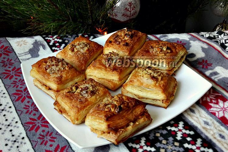 Фото Сахарные слойки с грецкими орехами