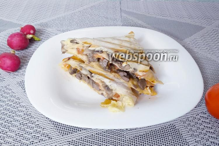 Фото Сэндвич из лаваша с печенью и грибами