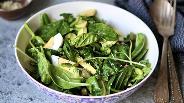 Фото рецепта Салат из шпината, яиц и авокадо
