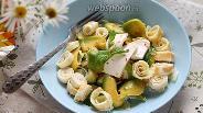 Фото рецепта Салат с авокадо и яичными блинчиками
