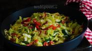 Фото рецепта Капуста жареная с перцем