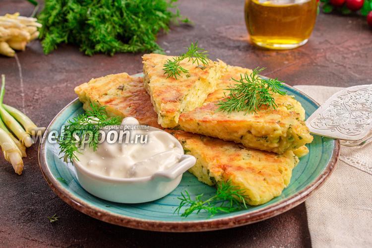 Фото Творожно-сырная лепёшка на сковороде