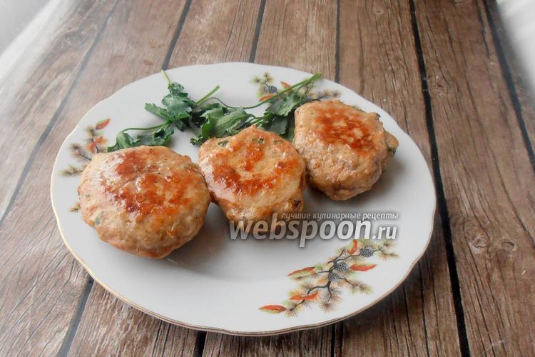 Фото Куриные котлеты с петрушкой и говяжьей печенью