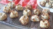 Фото рецепта Куриные котлетки запечённые в формочках для кексов в духовке