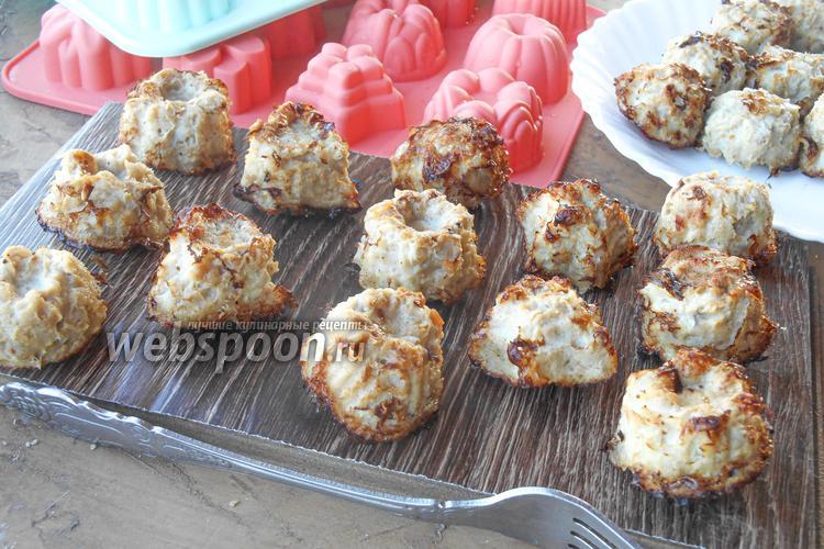 Фото Куриные котлетки запечённые в формочках для кексов в духовке