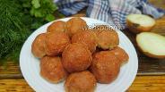 Фото рецепта Диетические мясные шарики с луком и морковью в духовке