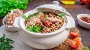Фото рецепта Гречневая каша с тунцом и вялеными томатами