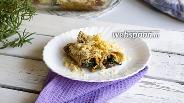 Фото рецепта Блины с начинкой из шпината и грибов под сырной корочкой