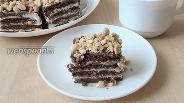 Фото рецепта Шоколадное пирожное с солёным арахисом без выпечки